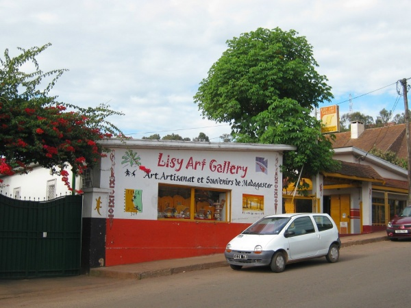 Lisy Art Gallery 001.jpg