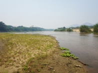 Sambirano River crossing by foot 010.jpg