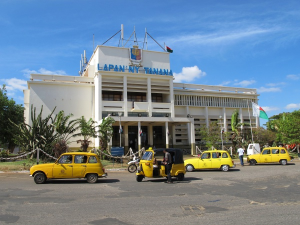 Town Hall of Diego Suarez 001.jpg